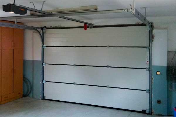 Puertas de garaje autom ticas valencia santiago salvador for Puertas automaticas garaje