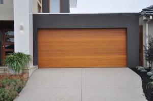 Puertas para garaje Valencia de calidad