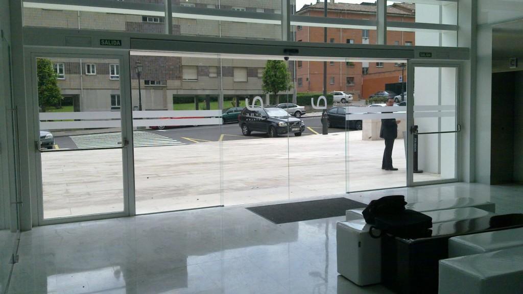Empresa de montaje de puertas automáticas Valencia con experiencia
