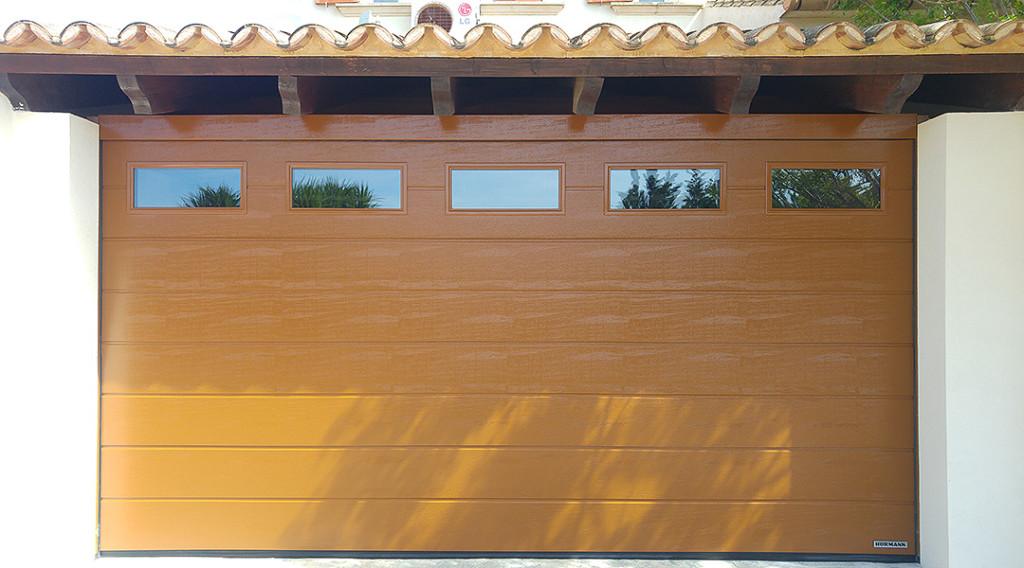 En Santiago Salvador le ofrecemos las mejores ofertas puertas de garaje Valencia